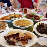 Photo taken at Restoran Hai Thian by Yeesien on 7/2/2017