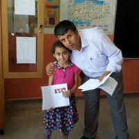 Photo taken at dumlupınar Ortaokulu by Metin on 6/13/2014