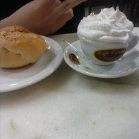 Foto tirada no(a) Café Cremoso por Rogério Cristiano M. em 8/31/2013