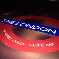 Foto tirada no(a) The London Pub por Daniel S. em 1/10/2015