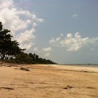Foto tirada no(a) Praia de São Miguel dos Milagres por Denise em 8/29/2014
