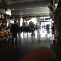 Photo taken at Sala/Gate 1 by Arturo ⚠️🚜 on 4/21/2013