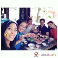 Photo taken at หมูย่างเกาหลีเจ๊หมวย by Nuna on 4/25/2014