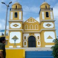 Photo taken at Iglesia de Dignidad by Rosa Luz on 10/6/2013