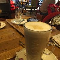 Снимок сделан в Costa Coffee пользователем Iwona R. 4/2/2016