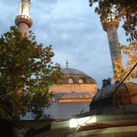 Photo taken at Nurbanu Valide-i Atik Sultan Camii by Adil A. on 10/3/2012