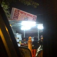 Photo taken at Santak Burger by Pzulakmar on 12/18/2012