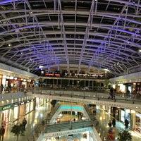 Photo taken at Centro Comercial Vasco da Gama by Edelber B. on 2/18/2013