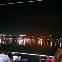 Foto scattata a Mavi Haliç Cafe da Gökhan A. il 7/1/2013