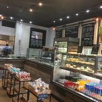 Foto scattata a Pantry Market Eatery da Arielle il 7/29/2017