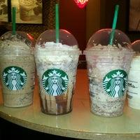 Foto tirada no(a) Starbucks por Patrycia C. em 2/1/2013