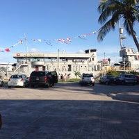 Photo taken at Mariscos El Bayo by Nacho on 7/10/2013