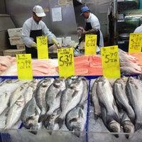 6/9/2013にChenyuがHong Kong Supermarket 香港超級市場で撮った写真