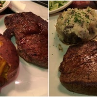 Photo taken at Outback Steakhouse by Olesya on 3/20/2016