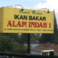 Photo taken at Ikan Bakar Alam Indah 1 by Dapot H. on 2/3/2013