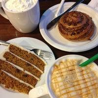 Снимок сделан в Starbucks пользователем Анна🚴К 4/22/2013