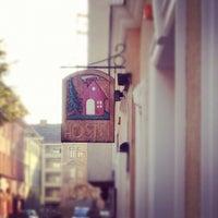 Photo taken at Vienna Hostel Ruthensteiner by Ricardo G. on 10/11/2012