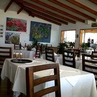 Foto tomada en Restaurante Puntamai por Luis Eduardo A. el 10/24/2012