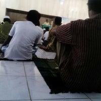 Photo taken at shaf belakang mesjid jami by Hitam Merah B. on 10/18/2013
