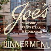 Photo prise au Joe's Seafood, Prime Steak & Stone Crab par Travel J. le9/22/2012