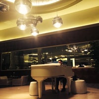 Photo taken at Paloma Pasha Hotel Piano Lobby Lounge by İlay on 11/26/2014