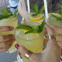 6/14/2015에 Merve D.님이 Vespa Cafe & Restaurant에서 찍은 사진