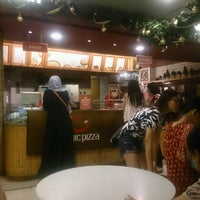 Photo taken at Magic Pizza by Dion D. on 12/4/2016