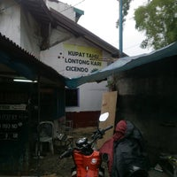 Photo taken at Kupat Tahu Lontong Kari Cicendo (sejak 1967) by Dion D. on 5/29/2017