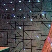 Снимок сделан в Drink Your Seoul пользователем Natalia K. 11/20/2015