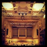 3/30/2013 tarihinde Ashscallionziyaretçi tarafından Symphony Hall'de çekilen fotoğraf
