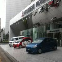 Photo taken at 三菱自動車 本社ショールーム by yukaswim on 10/17/2012