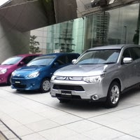 Photo taken at 三菱自動車 本社ショールーム by yukaswim on 11/28/2012