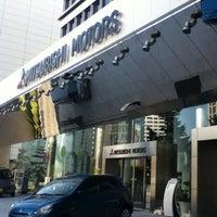 Photo taken at 三菱自動車 本社ショールーム by yukaswim on 10/14/2012