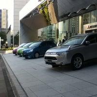 Photo taken at 三菱自動車 本社ショールーム by yukaswim on 10/30/2012