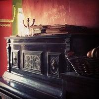 Снимок сделан в Кофе на кухне пользователем Evgenia 4/20/2013