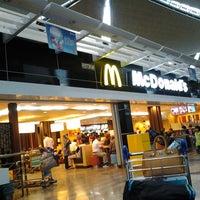 Photo taken at McDonald's & McCafé by Shanasi R. on 2/25/2013