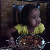 Photo taken at Siomay dan Batagor Pitoe (7) by Dindin A. on 5/17/2013