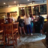 5/10/2014 tarihinde Julian J.ziyaretçi tarafından U Street Café'de çekilen fotoğraf