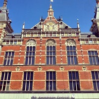 5/27/2013 tarihinde Lizzy F.ziyaretçi tarafından Station Amsterdam Centraal'de çekilen fotoğraf
