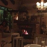 1/16/2013 tarihinde Zeynepziyaretçi tarafından Cafe Botanica'de çekilen fotoğraf