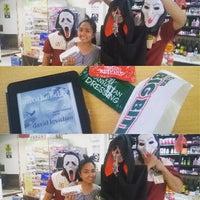 Photo taken at 7-Eleven by Joyce on 10/31/2015