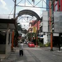 Photo taken at Pasar Baru (Passer Baroe) by Muhammad I. on 8/9/2013