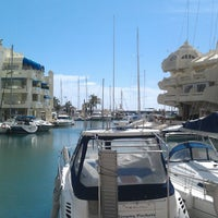 Foto tomada en Puerto Deportivo de Benalmádena - Puerto Marina por Lelde B. el 3/30/2013
