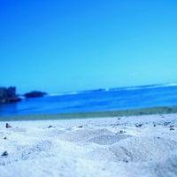 Foto tirada no(a) pantai kondang merak por Satryo E. em 11/3/2013