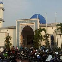 Photo taken at Masjid UNITEN by Husni R. on 7/28/2014