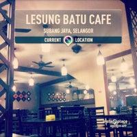 Photo taken at Lesung Batu Cafe by Hidayah Z. on 3/20/2013