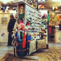 Снимок сделан в Магазин подарков «Штуки» пользователем Евгений К. 1/4/2013