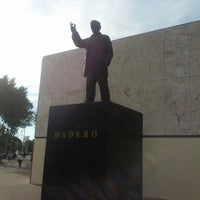 Foto tomada en Parque Revolución por Crys V. el 2/20/2013