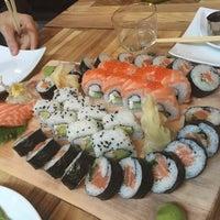 Das Foto wurde bei Sushi Lounge von Noora am 3/26/2016 aufgenommen