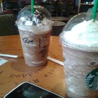 Photo taken at Starbucks by Felipe Fernandez M. on 4/16/2014